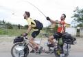 7000km für mehr Akzeptanz der Depression: Sebastian Burger (links) radelt mit der MOOD TOUR aus der Tabu-Zone  Foto: Sebastian Burger